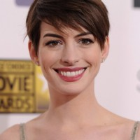 Anne Hathaway Short Hairstyle - 2014 Short Haircut with Side Swept Bangs