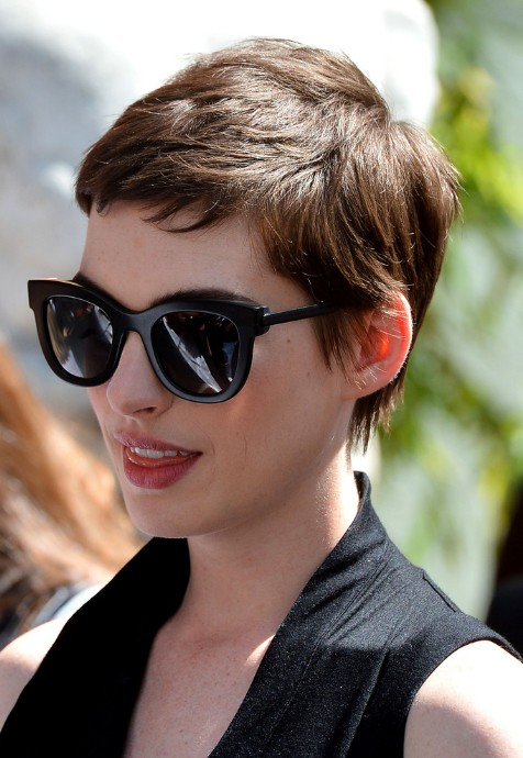 Anne Hathaway Trendy Short Pixie Haircut Boyish For Women