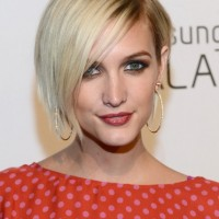 Side Parted Straight Haircut for Thin Hair 2013 - 2014: Ashlee Simpson Hairstyles