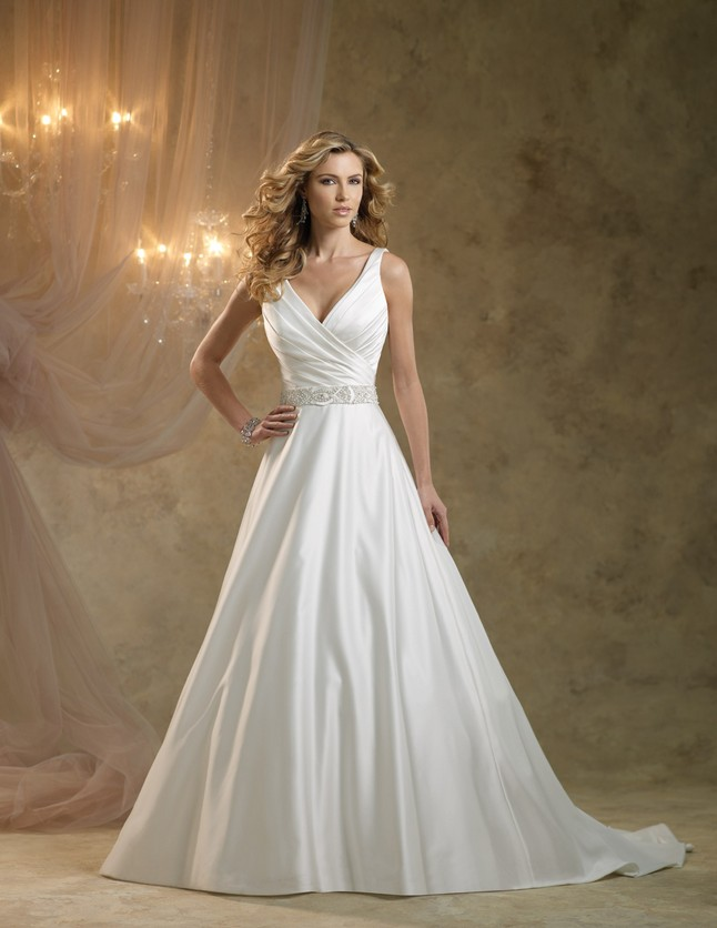 Looking for Your Dream Traditional Royal Wedding Dress? - Pretty ...