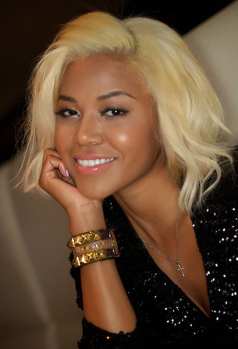 Cute Short Blonde Hairstyle for Black Women