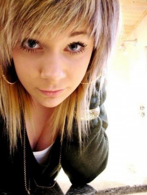 2014 Cute Straight Emo Hairstyles for Girls