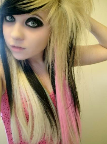Emo Girls Long Blonde Sleek Hairstyle 2014