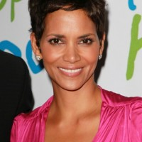Low Key Short Messy Pixie Hairstyle for Women - Halle Berry Hairstyles