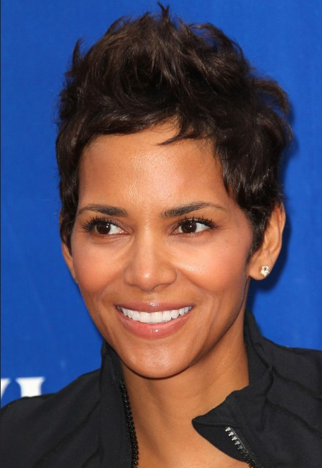 Short Messy Spiked Pixie Cut – Halle Berry Short Hairstyle /Getty