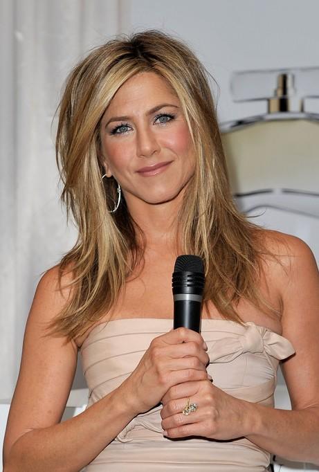 Jennifer Aniston Medium Layered Hairstyle: 2013 - 2014 Hairstyle Trends