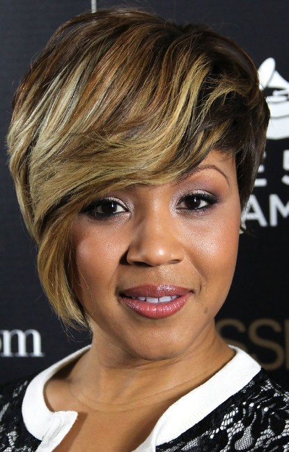 Mary Mary Short Straight Hairstyle for Black Women