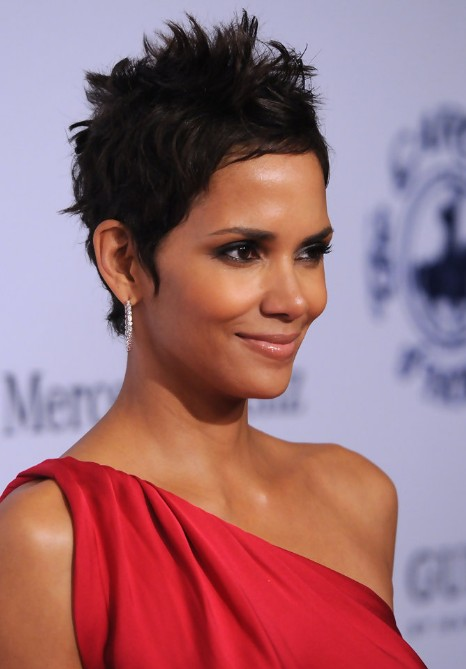 Messy Spiked Short Pixie Haircut for Black Women - Halle Berry Haircuts