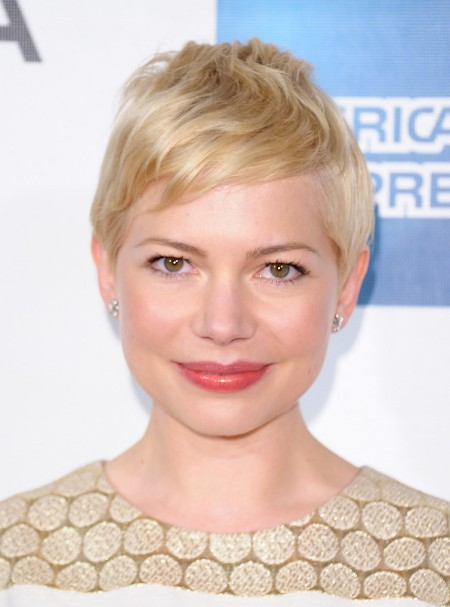 Michelle Williams Casual Short Blonde Pixie Haircut with Side Swept