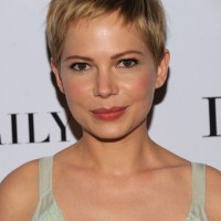 Simple Easy Daily Short Haircut for Women: Pixie Cut - Michelle Williams Hairstyles