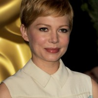 Michelle Williams Haircuts: Layered Boyish Pixie Hairstyle