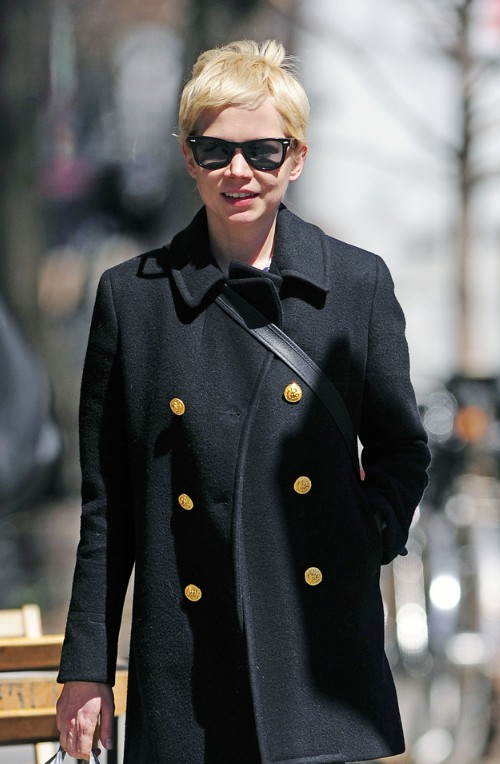 Michelle Williams Short Haircut Classic Blonde Straight Pixie - Classic pixie hairstyle