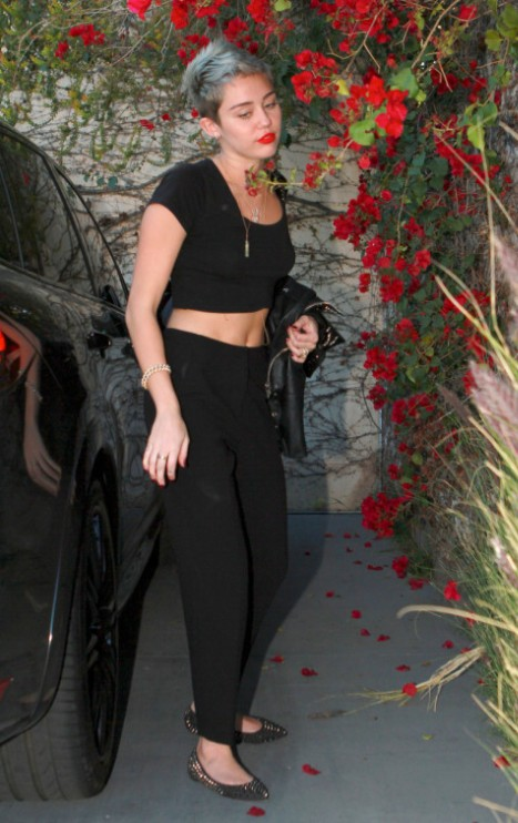 Miley Cyrus New Short Haircut 2013