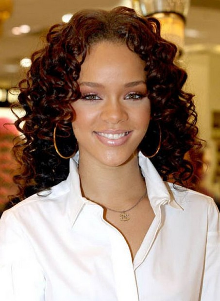 Naturally Curly Hairstyles for Women – Medium Curly Hairstyles 2014