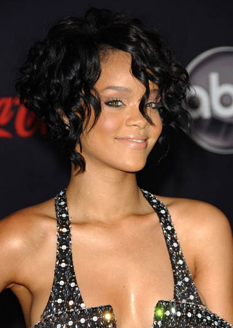 Rihanna Short Curly Hairstyle for Prom