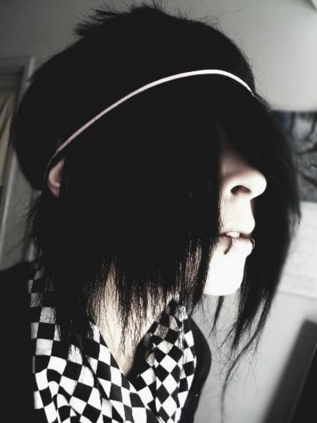 Awesome Emo Hairstyles For Trendy Guys Emo Guys Haircuts Pretty Designs Short Hairstyles For Black Women Fulllsitofus