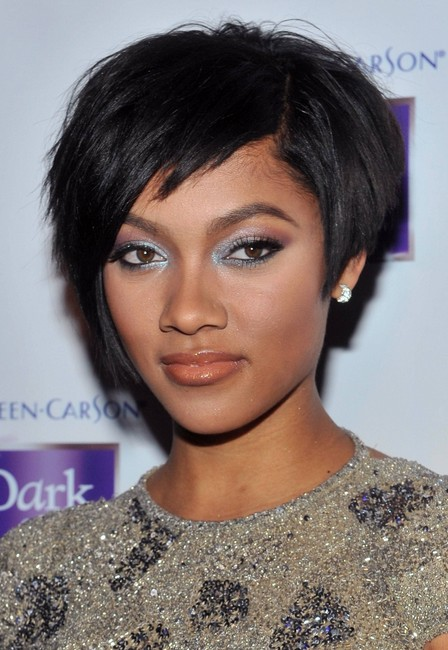 Short Black Straight Hairstyle for Prom
