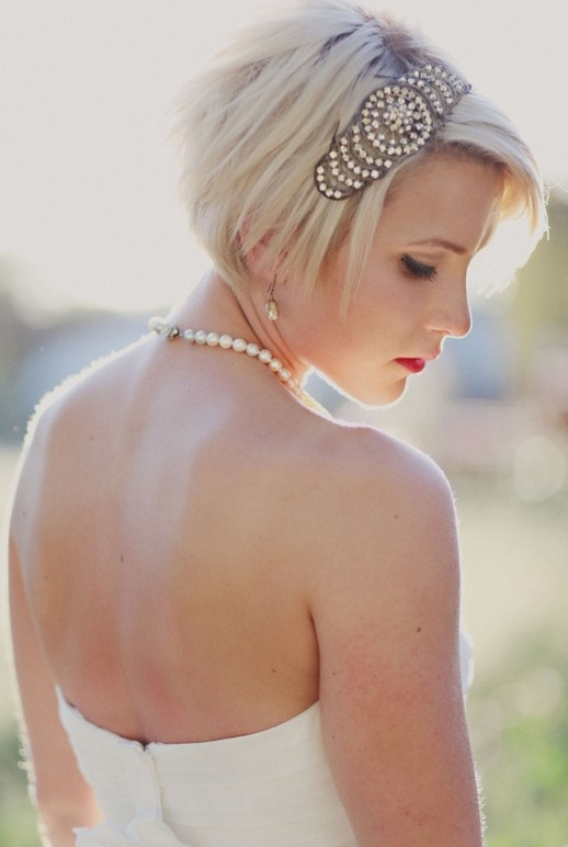 Short Bridal Hairstyles - Lovely Short Blonde Straight Hairstyle for Wedding