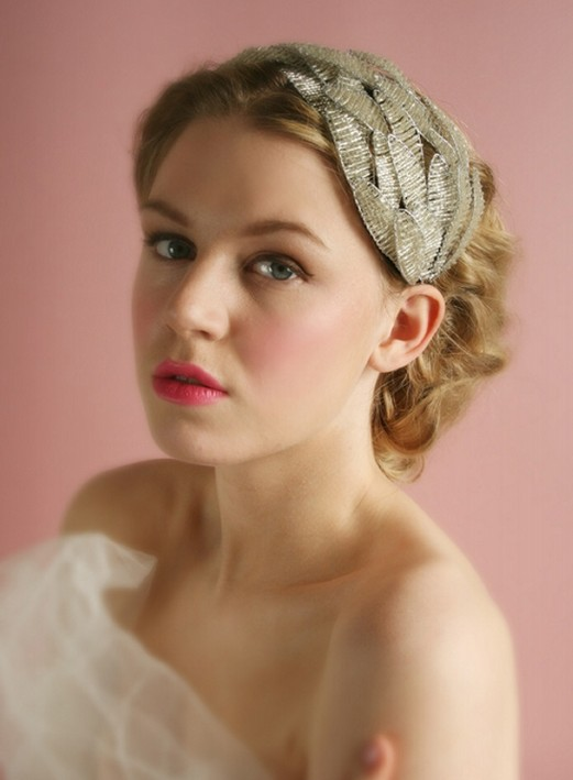 Short Wedding Hairstyle With Headband - Pretty Designs
