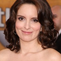 Tina Fey Romantic Medium Curly Hairstyle without Bangs