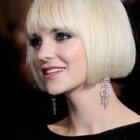 Anna Faris Short Blonde Blunt Bob Haircut - Short Straight Haircut for 2014