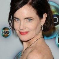 Dark Wavy Bob Hairstyle for Mature Women Over 50 - Elizabeth McGovern Hairstyles