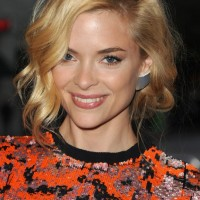 Super Chic Curly Bob Hairstyle with Bangs - Jaime King Hairstyles