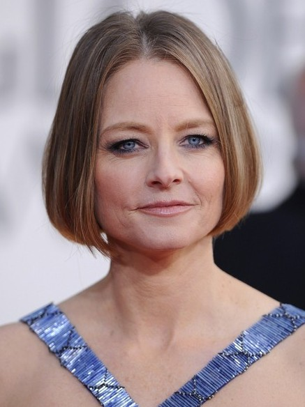 Short Sleek Bob Haircut for Women Over 50 – Jodie Foster Hairstyles