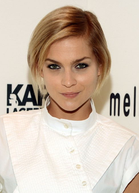 Leigh Lezark Short Ombre Angled Bob Hairstyles - Popular Short Side Parted Bob Haircut 2014