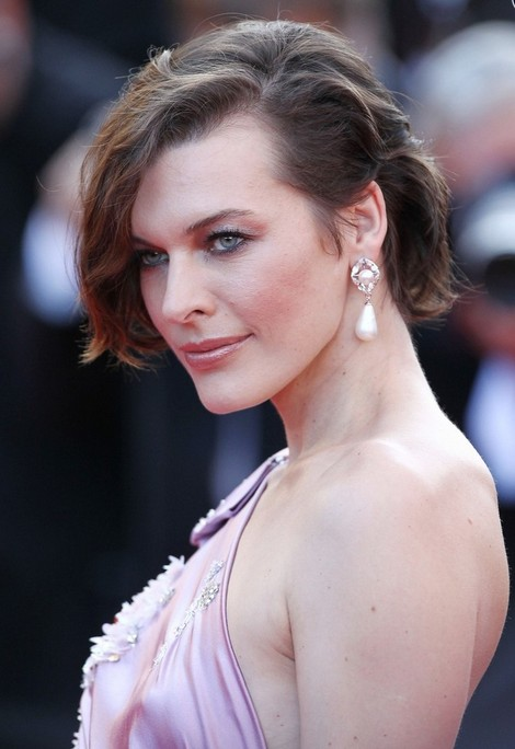 Side View of Tousled Bob Hairstyle for Short Hair - Milla Jovovich Haircut