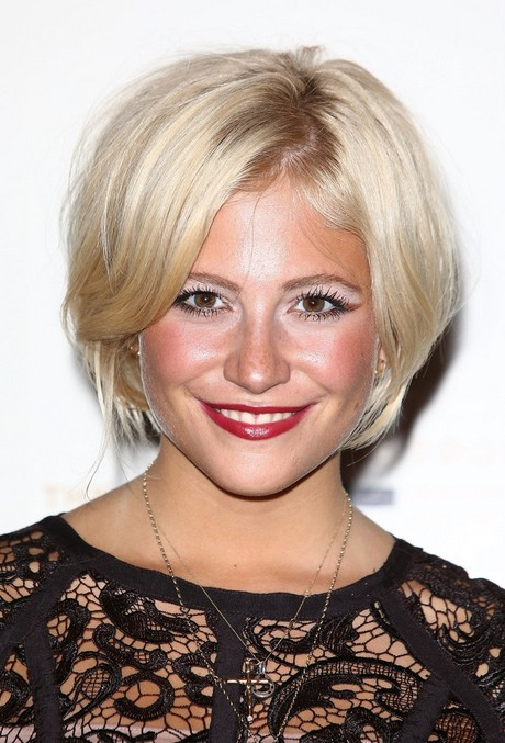 Layered Short Blonde Bob Hairstyle 2014 – Pixie Lott Short Haircut