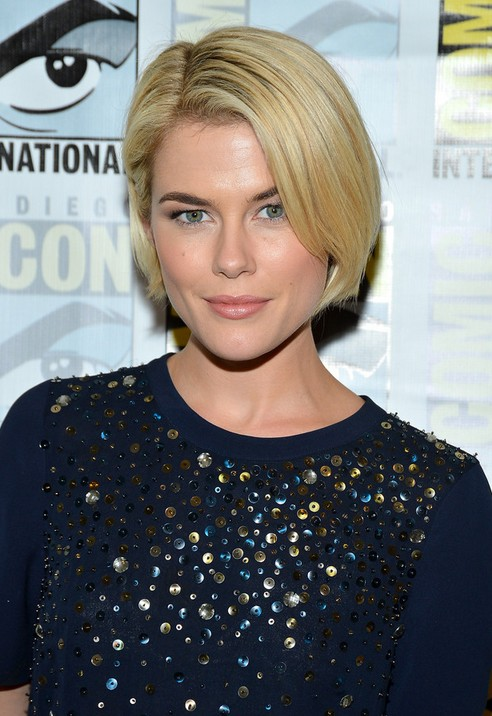 Short Side Parted Bob Haircut 2014 - Rachael Taylor Hairstyles
