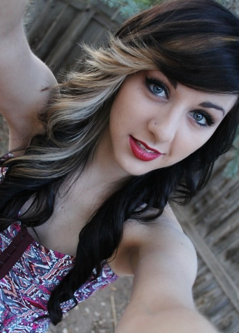 2014 Black and Blonde Two Toned Hairstyles for Girls
