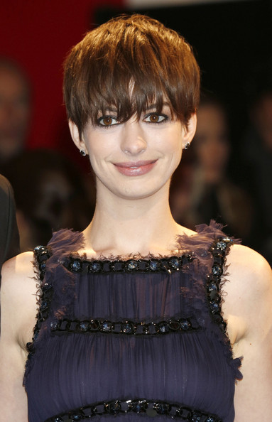 Anne Hathaway 2014 Short Hairstyles  Shortcut With Bangs Pretty