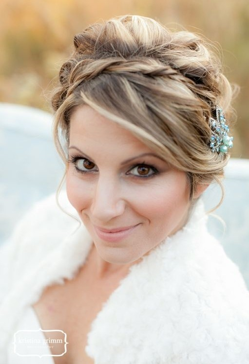 Delicate Braided Updo Hairstyle for Wedding