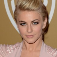 Formal Hairstyles for Round-shaped Face