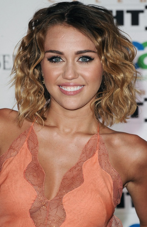 Astonishing Miley Cyrus 12 Impressive Hairstyles Of Any Hair Length Pretty Hairstyles For Men Maxibearus