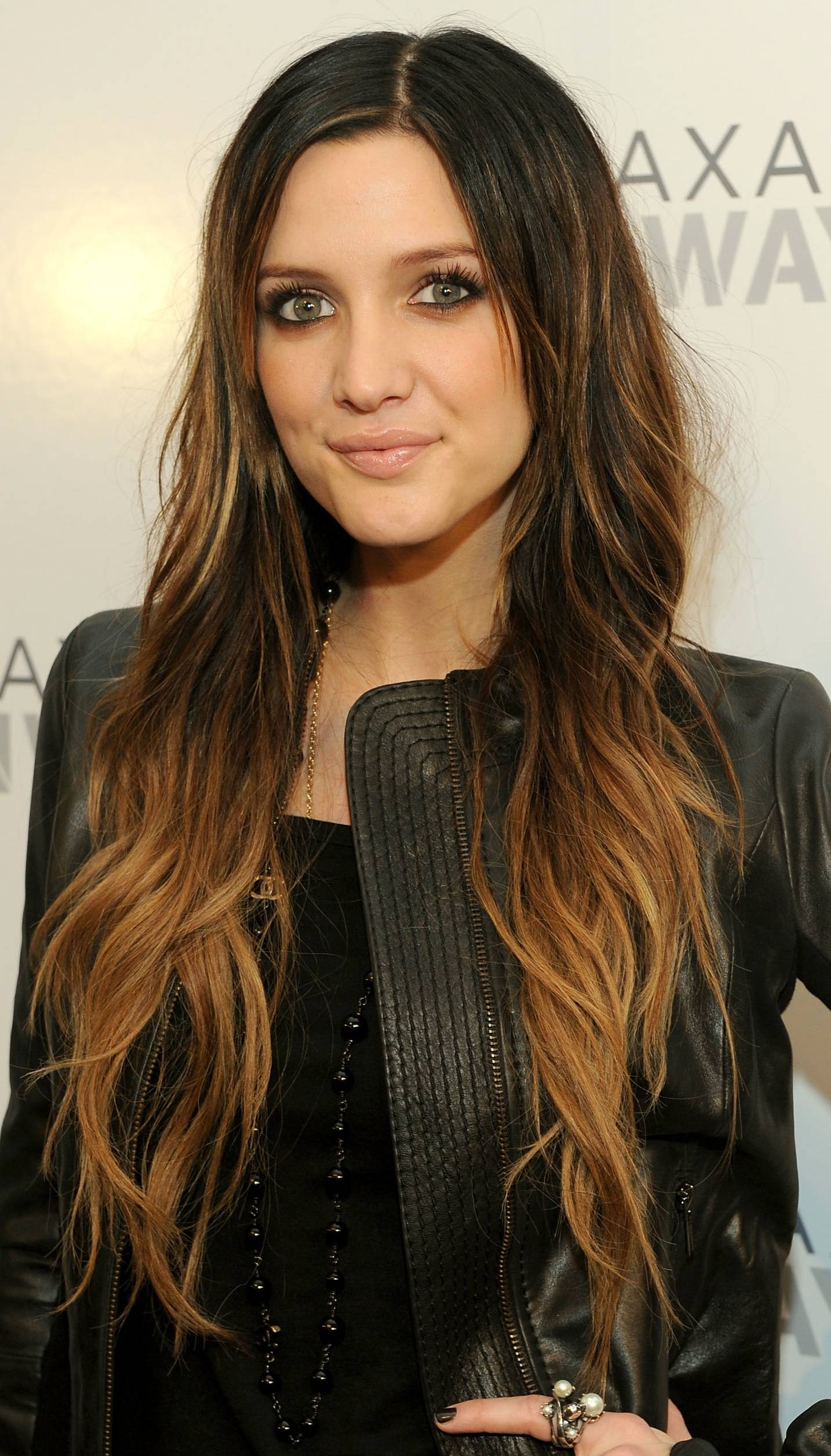 Long Wavy Brown Ombre Hairstyle for Women 2014 - Pretty Designs