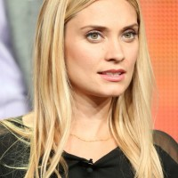 Spencer Grammer: Long Blonde Straight Hairstyle 2014