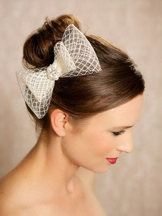Wedding Hairstyle with A Bow
