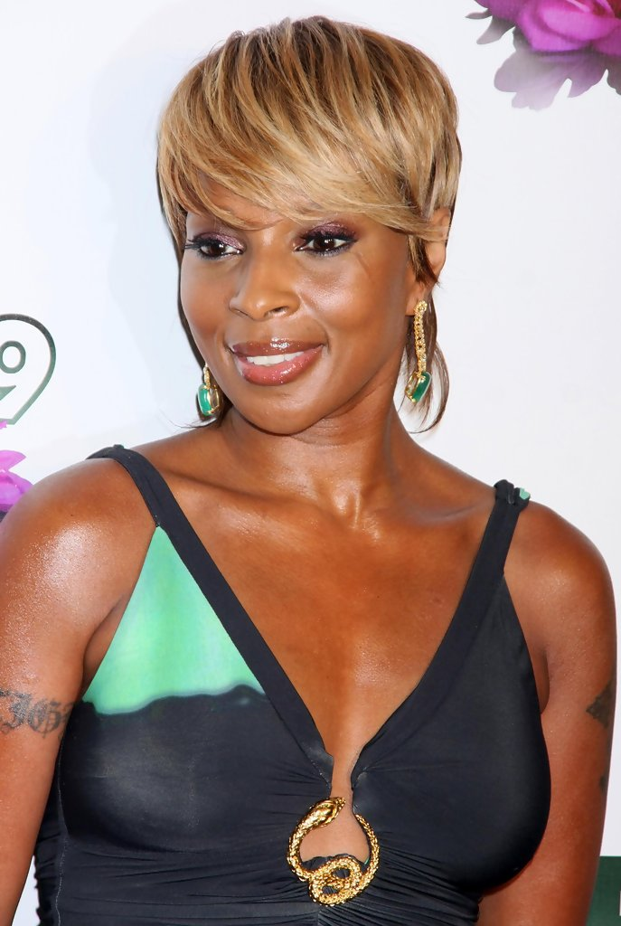 Mary J Blige Short Haircut Chic For Women