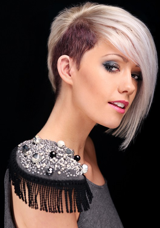2014 Trendy Short Hairstylewith Long Side Swept Bangs
