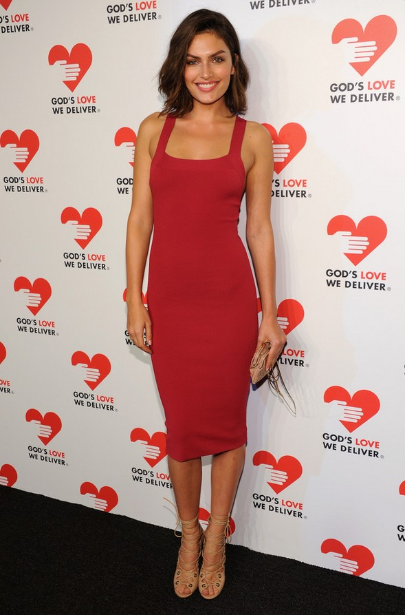 Alyssa Miller: Body-con Red Cocktail Dress