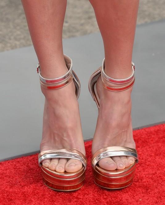 Anna Faris' Platform Sandals