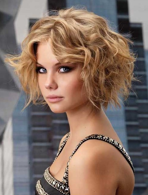 Cool Curly Hairs Are Sometimes A Blessing And Sometime Their Maintainence Is A Headache If You Want To Maintain Your Curly Hair You Must Shorten Them Here Are Few Ideas For Short Curly Hairstyles Which Are In Trend From 20122013 Curly