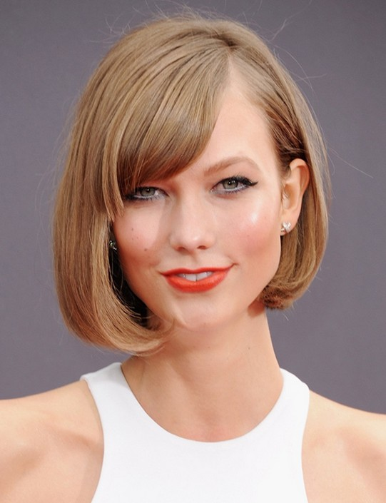 Bob Hairstyles : Cute Short Blonde Bob Haircut for Thick Hair