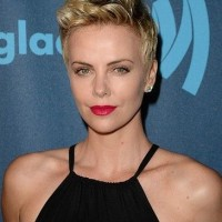 Charlize Theron Short Haircut: Blond Fliped Back Pixie Hair