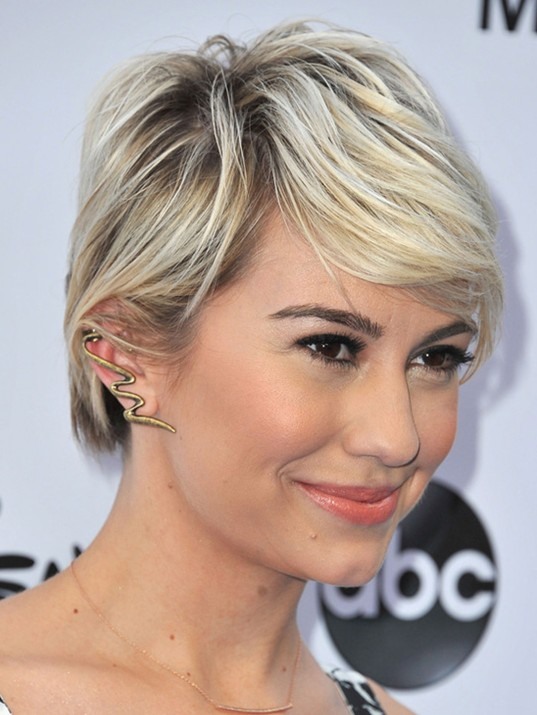 Chelsea's Layered Short Straight Hairstyle with Side Swept Bangs