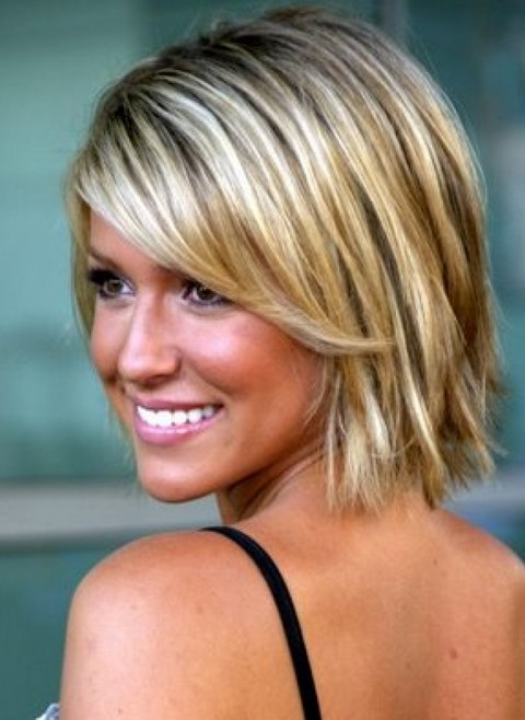 15+ chic short hairstyles for thin hair you should not miss
