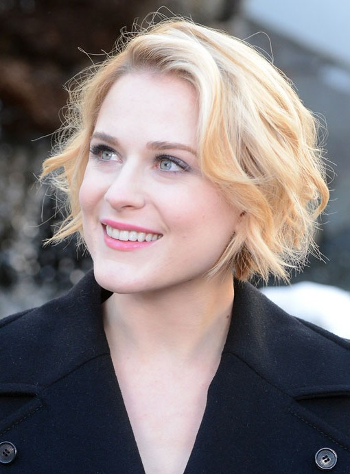 Cute Short Blonde Wavy Hairstyle